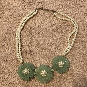 Pearl and jade color flower necklace